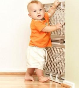 Na szczęście rodzice czuwają! Ta pralka nie wyrządzi dziecku krzywdy.